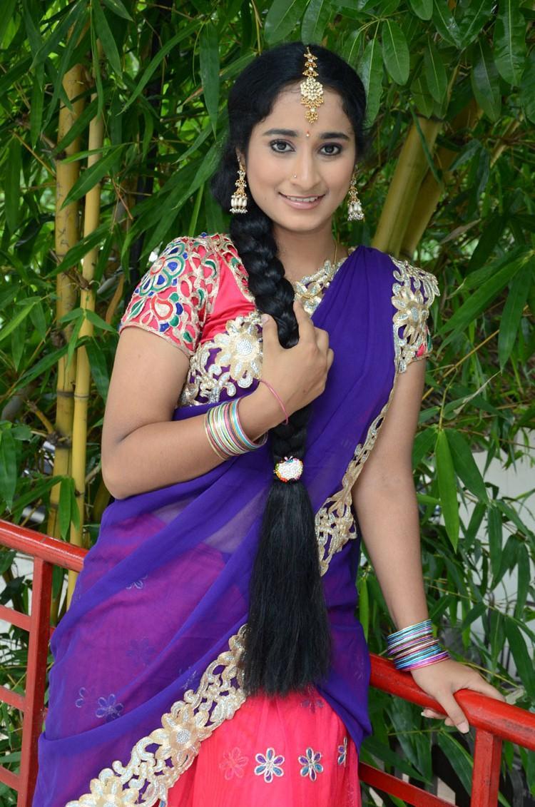 Manasa Sizzling And Beautiful Photo Shoot In Saree