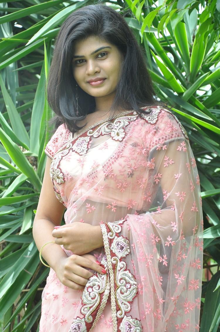 Alekhya Wore A Pink Netted Saree For Anandam Malli Modalaindi Movie Opening