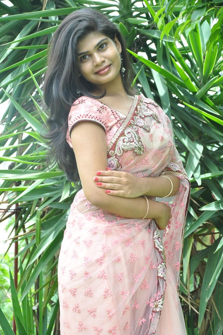 Anandam Malli Modalaindi Movie Opening Alekhya Beautiful Pic