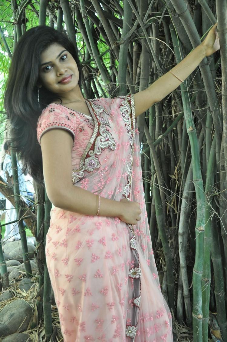 Anandam Malli Modalaindi Movie Opening Alekhya Hot Sizzling Photo