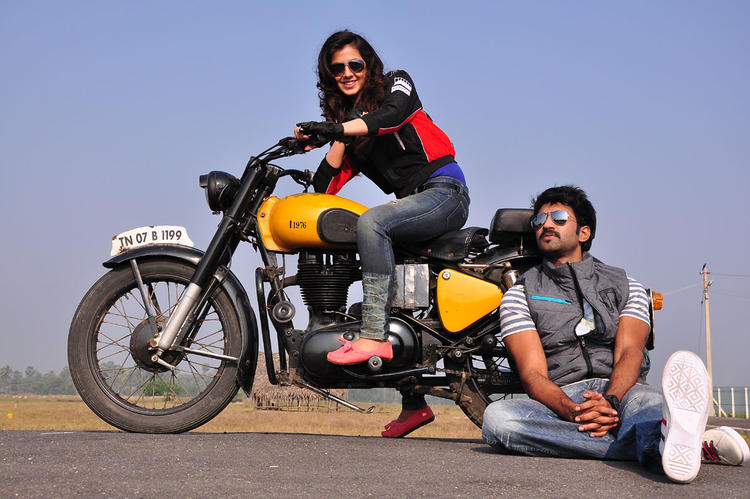 Aadi Pinisetty New Movie Nikitha On Bike