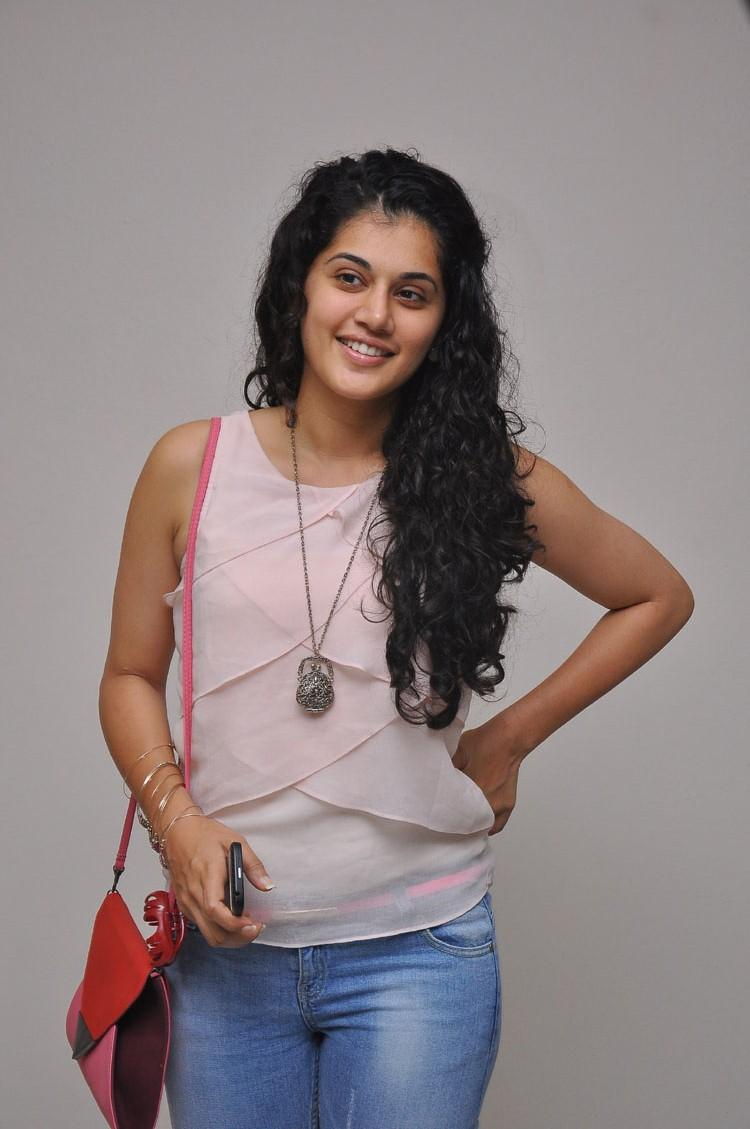 Taapsee Pannu Cute Smiling Look Photo Still