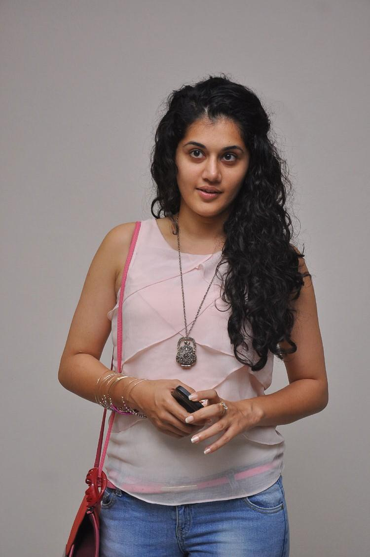 Taapsee Pannu Glamour Look In Tops With Jeans Photo Still