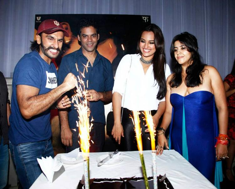 Lootera Star Cast Celebrates Their Success Party