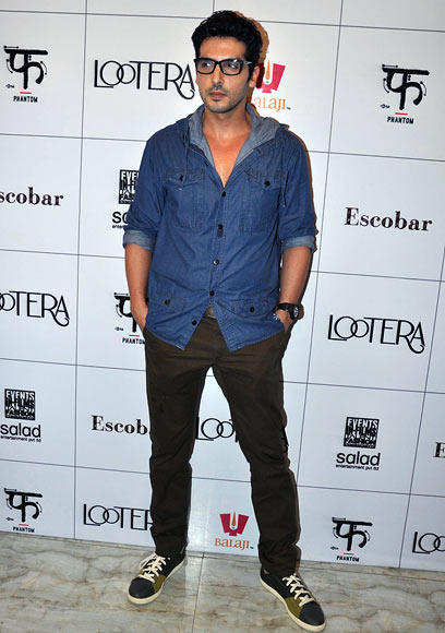 Zayed Khan Strikes A Pose During Lootera Success Bash