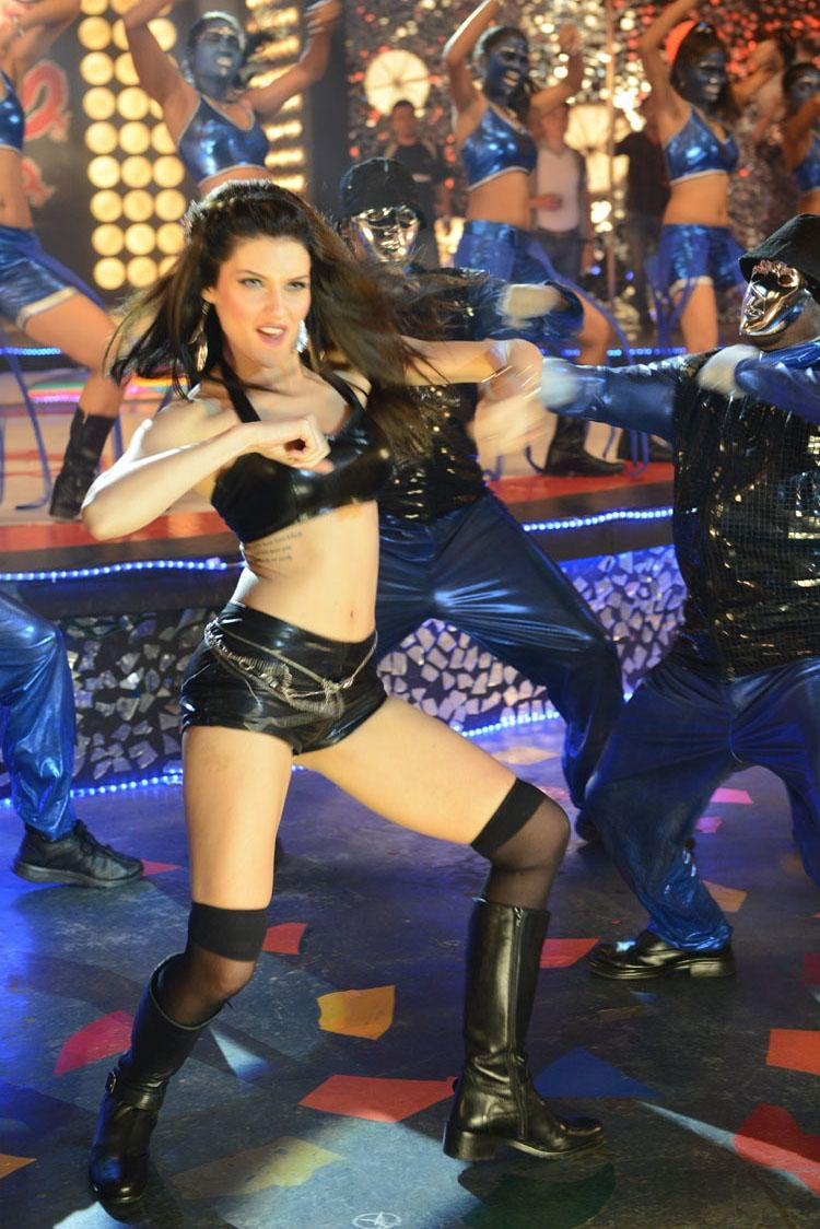 Scarlett Wilson Hot Chandi Item Song Still
