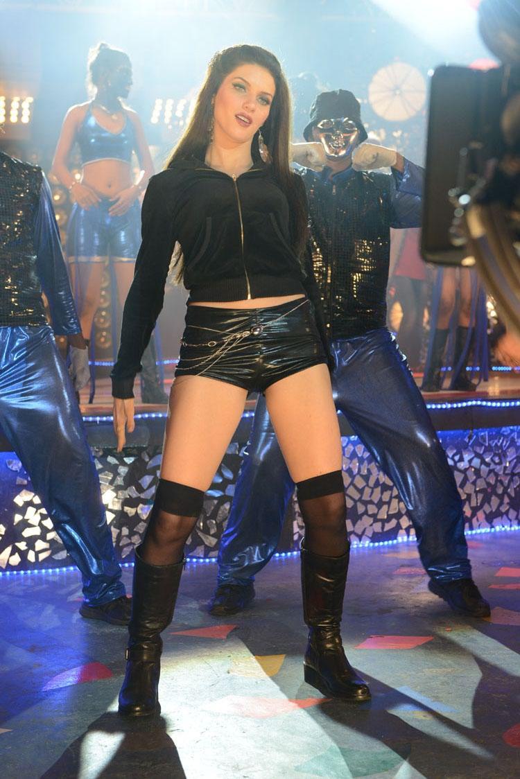 Scarlett Wilson Latest Hot Photo In Chandi Movie Item Song