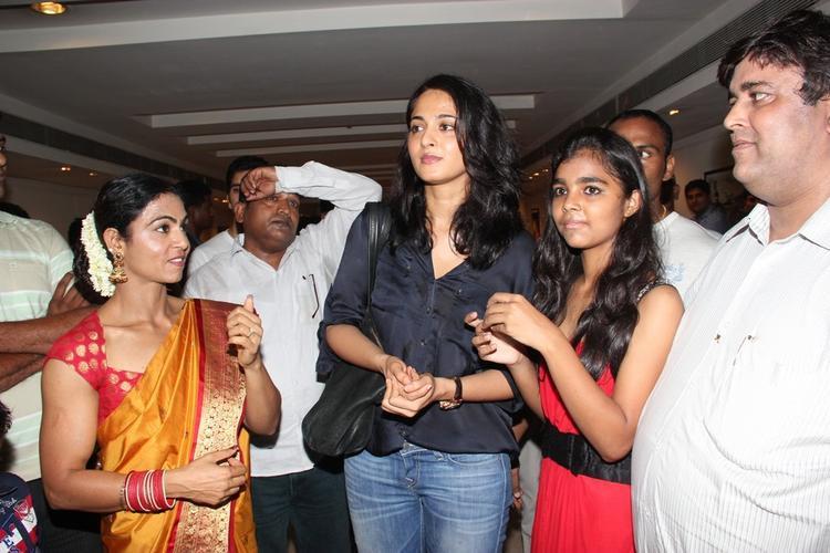 Anushka Shetty Attends Super Mom Photo Exhibition