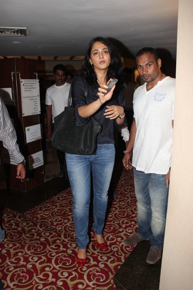 Anushka Shetty Spotted At Super Mom Photo Exhibition