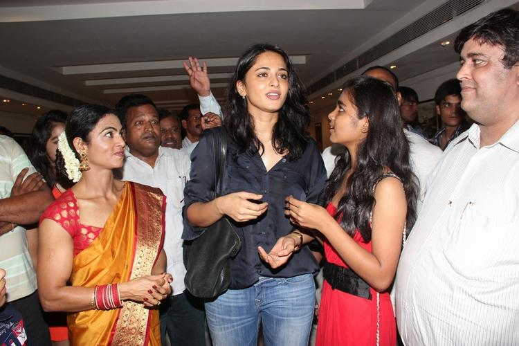Anushka Spotted For Super Mom Photo Exhibition