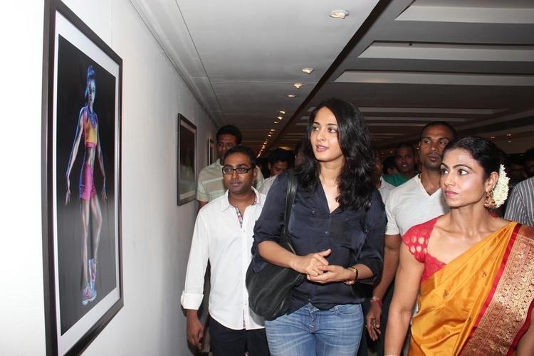 Anushka At Super Mom Photo Exhibition