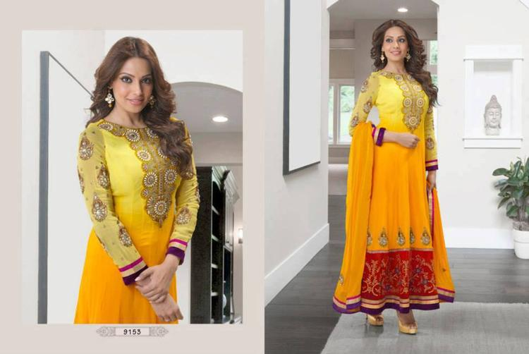 Bipasha Basu Looking Dazzling In This Anarkali Suit