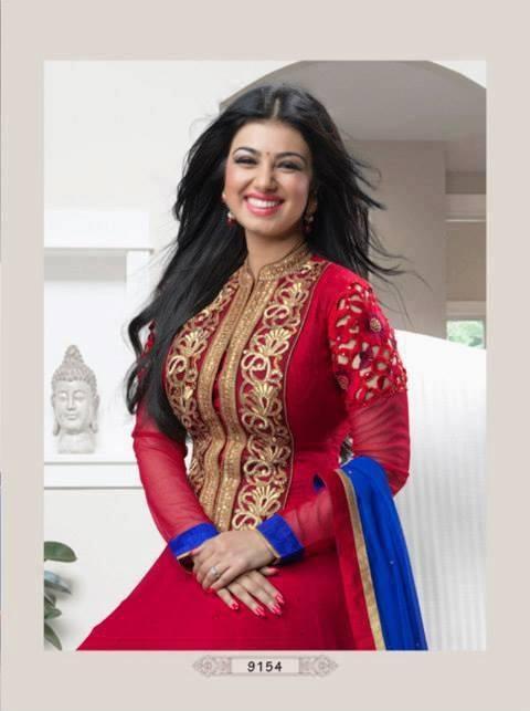 Ayesha Takia Beautiful Smiling Pic Photo Shoot For Indian Designer Wear
