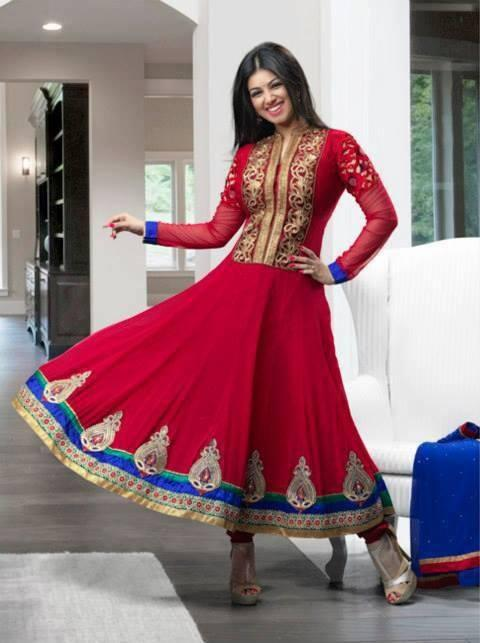 Ayesha Takia Looking So Beautiful In This Red Anarkali Suit