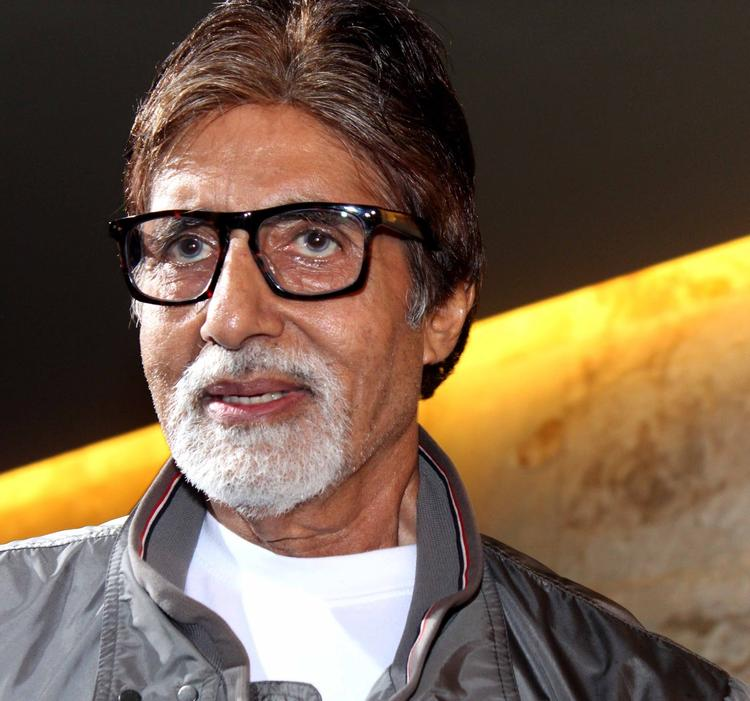 Amitabh Bachchan Nice Pic At Screening Of The Movie Ramaiya Vastavaiya