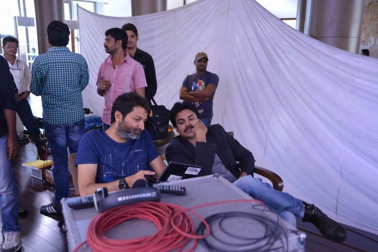 Pawan Kalyan During Attarintiki Daredi Movie Working Still