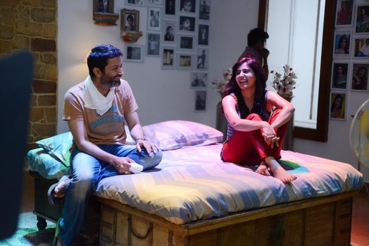 Samantha On Bed During The Sets Of Attarintiki Daredi