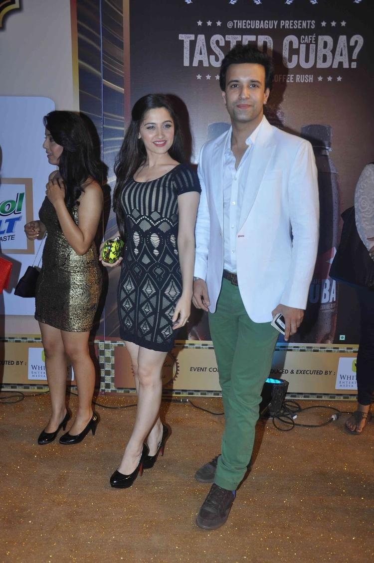 Aamir Ali And Sanjeeda Pose During The Boroplus Gold Awards 2013