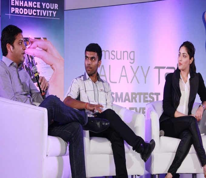Yami Gautam Present At The Launch Of Samsung Galaxy Tablet 3