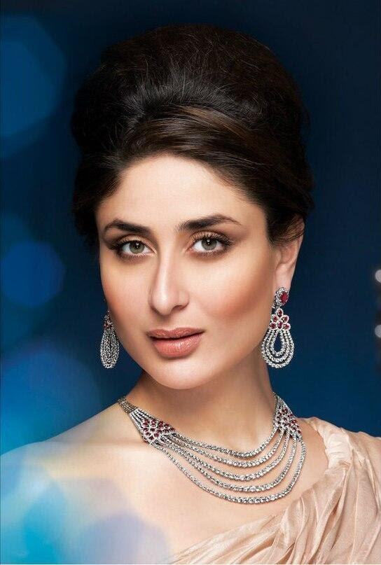 Kareena's Latest Dazzling Look Malabar Jewellery Ads Shoot