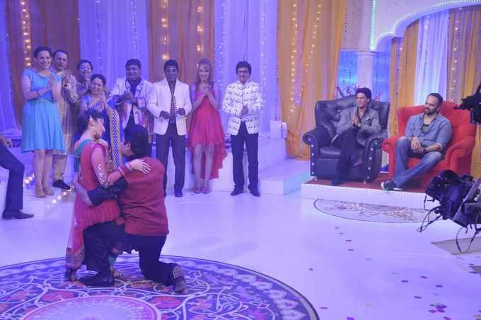 SRK And Rohit Appeared For Promoting Chennai Express On The Sets Of Tarak Mehta Ka Ooltah Chashmah