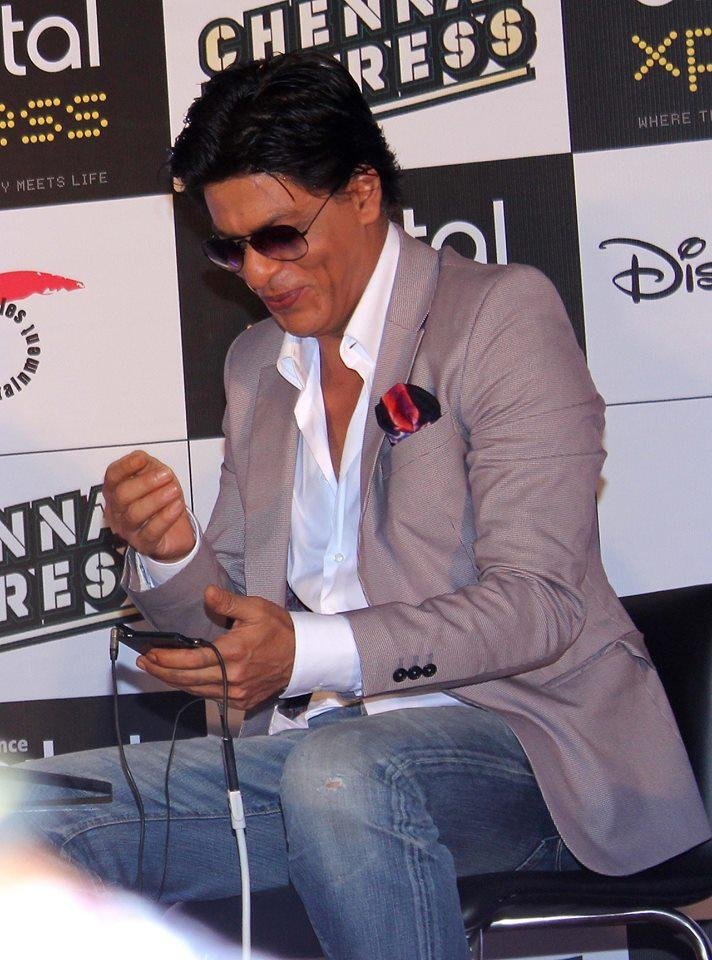 SRK Launches Free Chennai Express Game For Android
