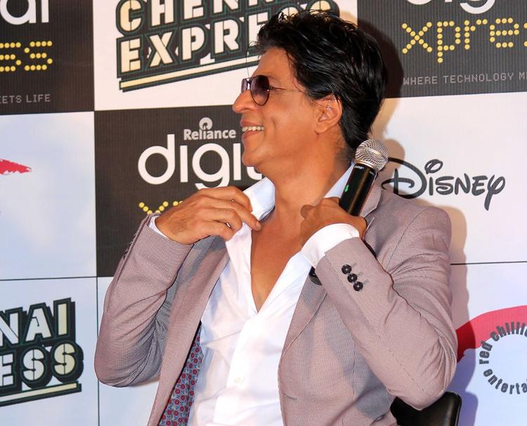 SRK Smiling Look At The Chennai Express Disney Game Launch Event