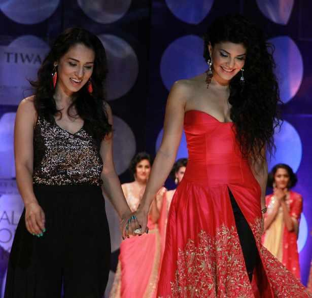 Jacqueline Fernandez Felt Special When She Took To The Runway As A Contemporary Bride At The Ongoing IBFW
