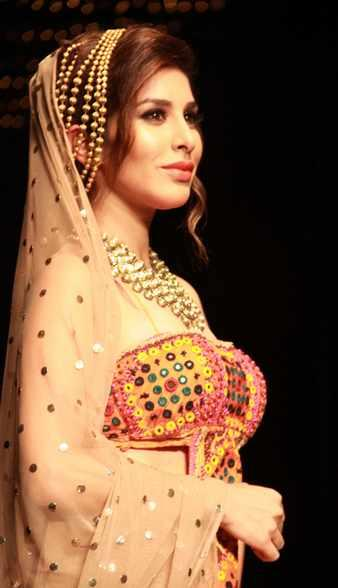 Sophie Choudry Walked The Ramp For Designer Rina Dhaka On The Second Day Of India Bridal Fashion Week