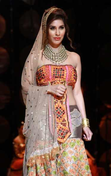 Sophie Choudry Walked The Ramp As A Showstopper For Designer Rina Dhaka On The Second Day Of India Bridal Fashion Week