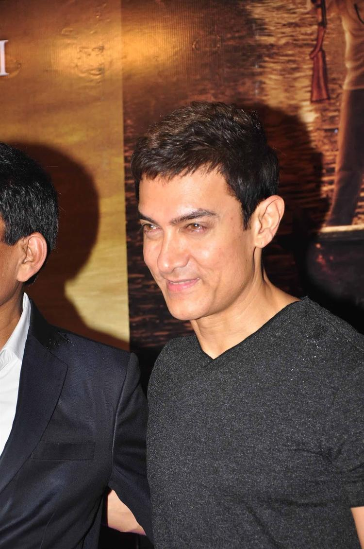 Aamir Khan Pic During The Screening Of  Issaq
