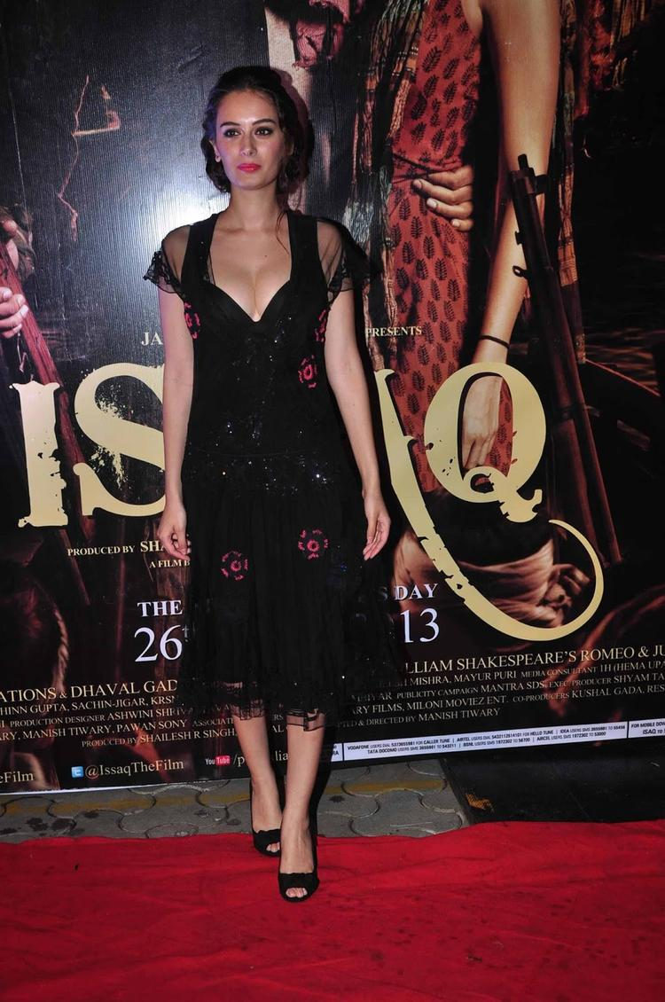 Evelyn Sharma Awesome Seductive Look In Armani At Issaq Premiere