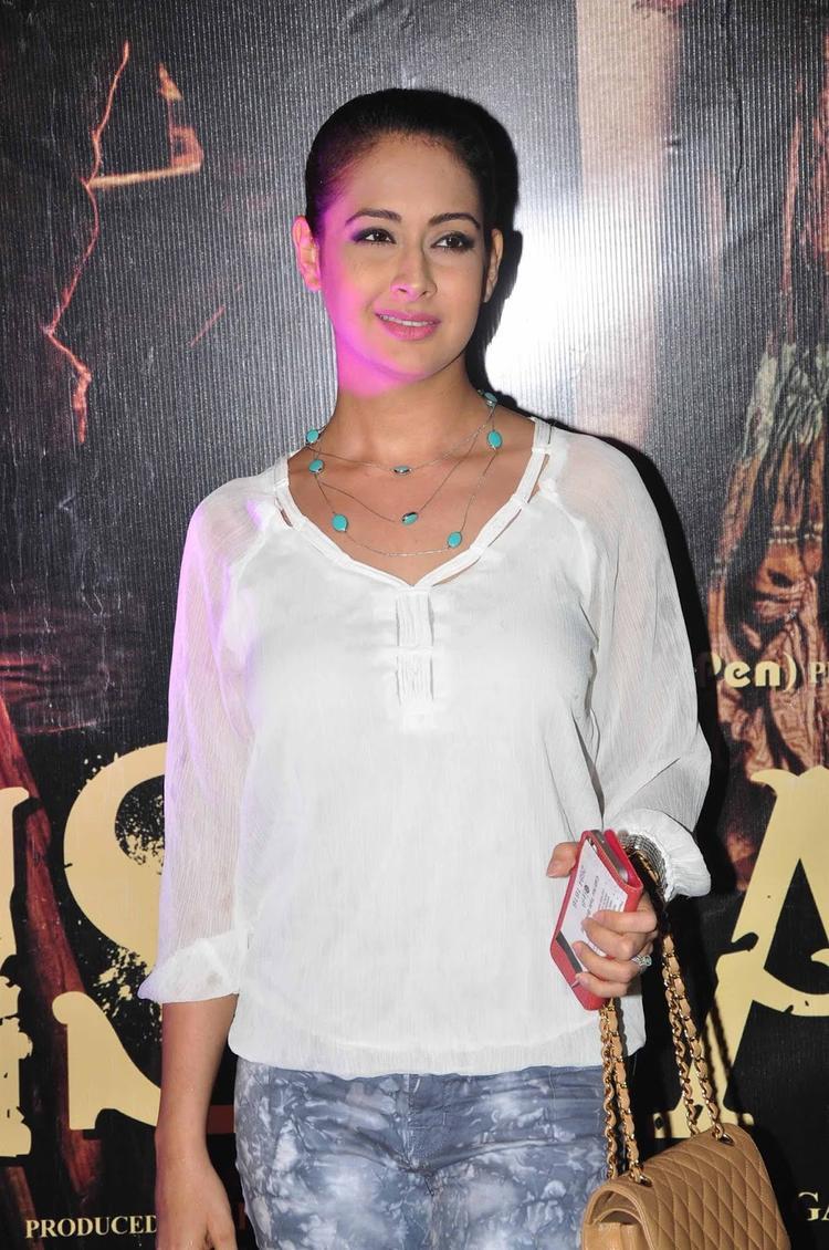 Preeti Jhangiani Spotted At Premiere Of  Issaq