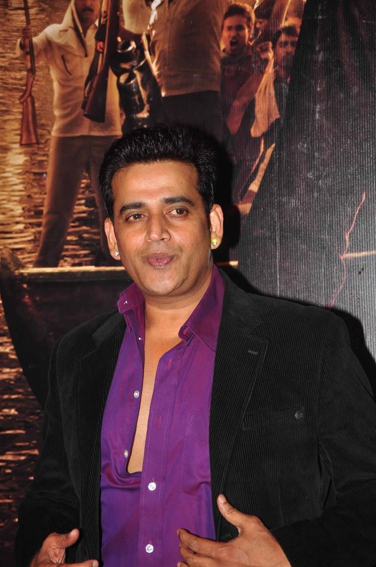 Ravi Kishan Snapped At The Screening Of  Issaq