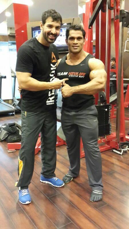 John Abraham Photo In Gym