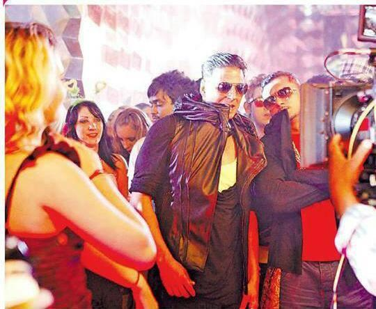 Akshay Kumar With Honey Singh On The Sets Of Party All Night BOSS