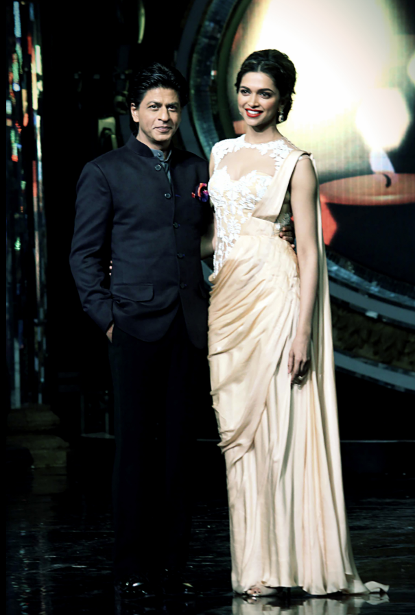 SRK And Deepika Stunned During The Promotion Of Chennai Express On The Sets Of Indian Idol Junior