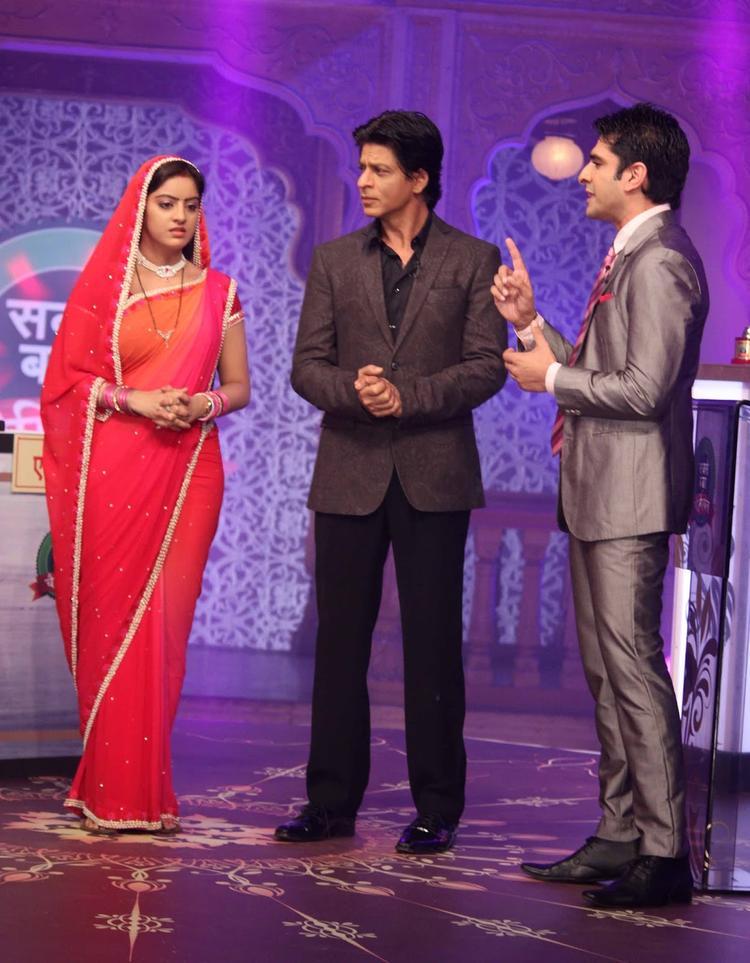Deepika Singh And SRK On The Sets Of Diya Aur Baati Hum