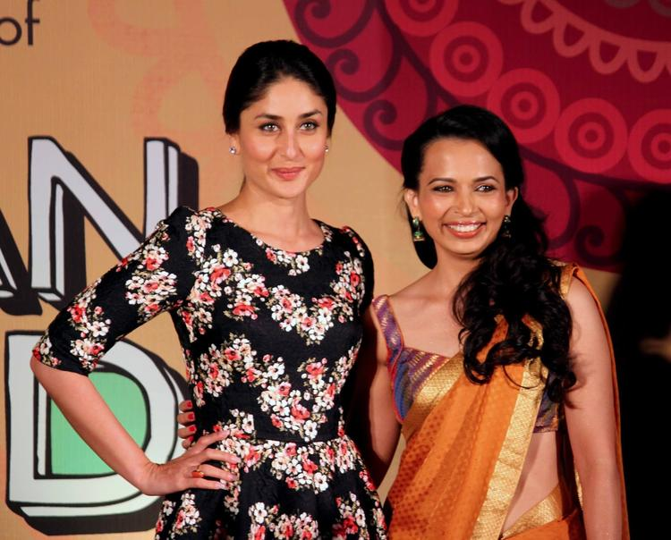 Kareena And Rujuta Pose During The Indian Food Wisdom DVD Launch Event
