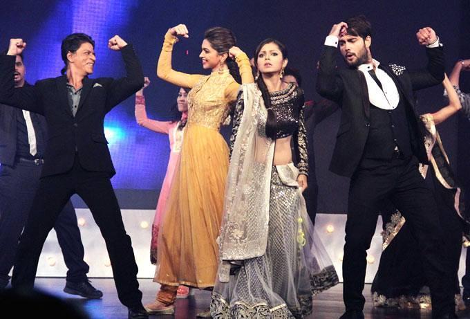 SRK,Deepika,Drashti And Vivian Danced On The Sets Of Madhubala Ek Ishq Ek Junoon During The Promotion Of Chennai Express