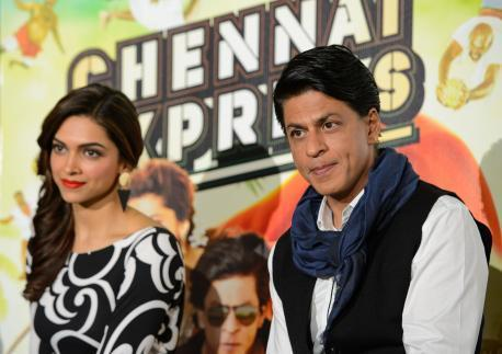 Deepika And SRK Nice Look During The Promotion Of Chennai Express In London