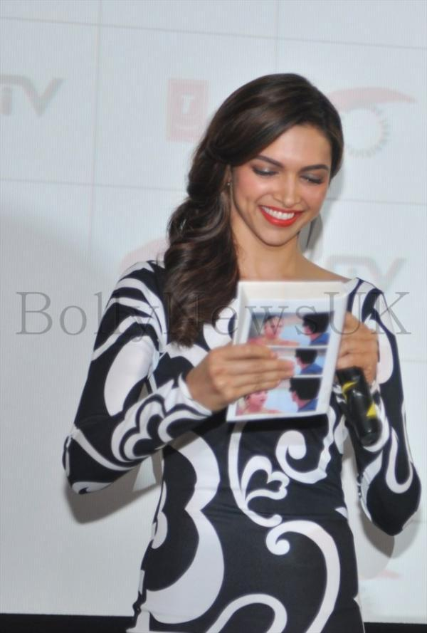 Deepika Cute Smiling Look Completed With Red Lippy During The Promotion Of Chennai Express In London