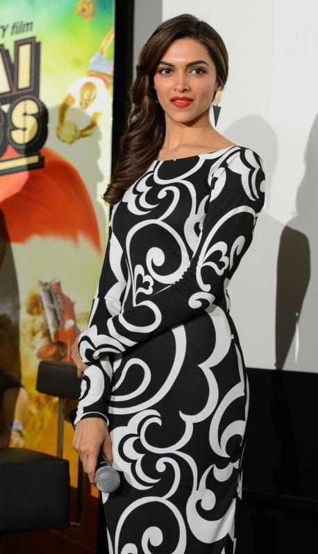 Deepika Padukone Stylish Gorgeous Look During The Promotion Of Chennai Express In London