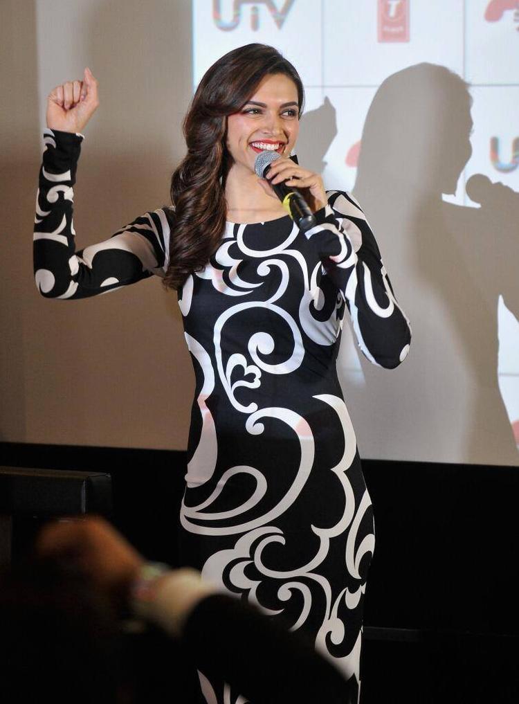 Smiling Deepika Padukone Talking To The Media During The Promotion Of Chennai Express At London