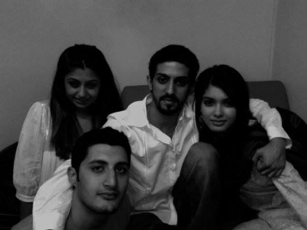 Diana Penty Rare Pic With Her Boyfriend Harsha Sagar And Friends