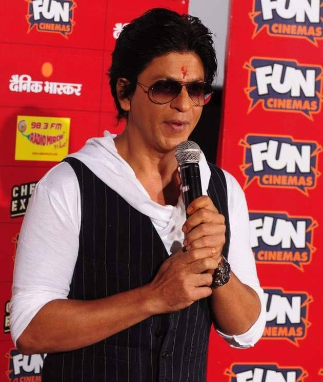 Shahrukh Khan Addresses The Media At Fun Cinemas In Bhopal During The Promotion Of Chennai Express