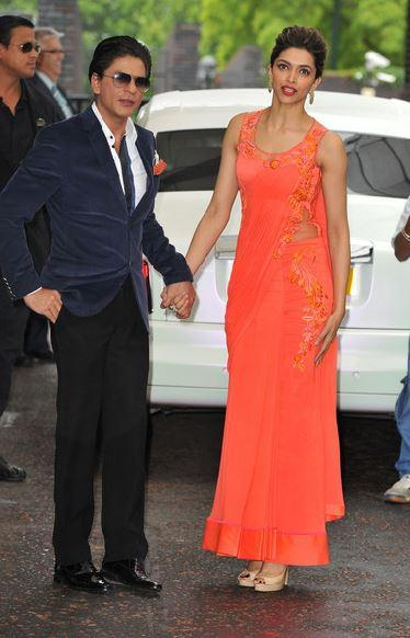 SRK And Deepika Spotted At Cineworld Feltham In London For Promoting Chennai Express