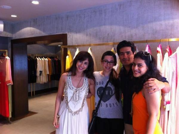 Manish Pose With Bollywood Beauties During His Store Launch Event
