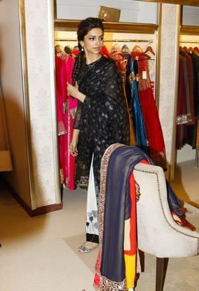 Deepika Gorgeous Look During The Promotion Of Chennai Express At Dubai