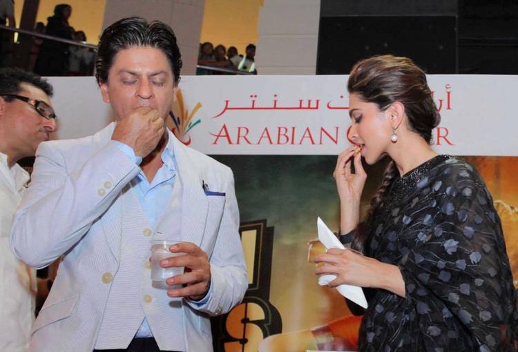 SRK And Deepika During The Promotion Of Chennai Express At Dubai